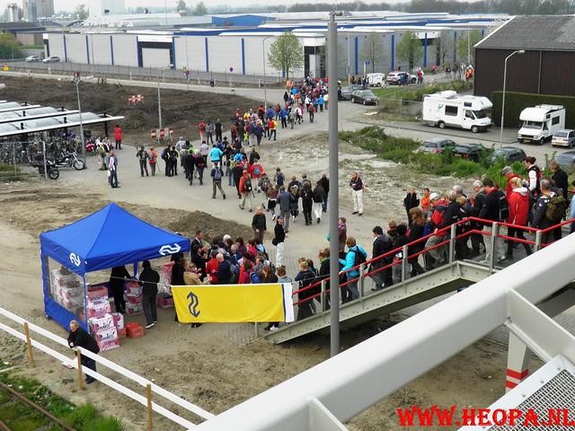 16-04-2011     Rode-Kruis   Bloesem   wandeltocht 26 Km (3)