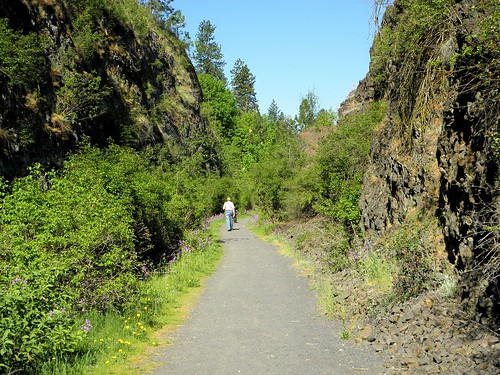 trail spokane spokanewashington spokanewa benburr railroad outdoor libertypark underhill