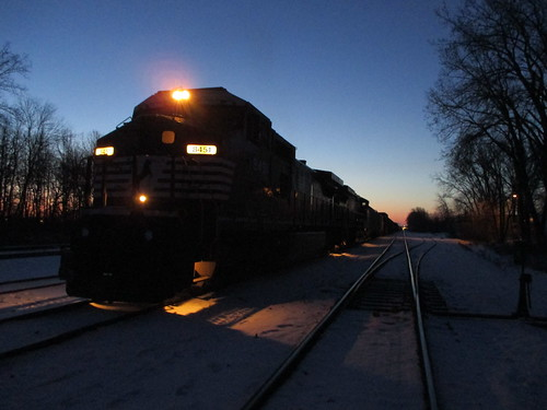 morning winter snow green electric wisconsin sunrise bay early general ns norfolk southern february ge a447