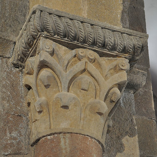 Sant Joan les Fonts (Garrotxa)   by Monestirs Puntcat