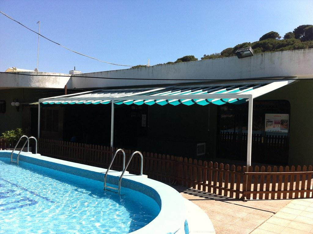 Toldo Corredero Marino Para Terraza Bar Con Inclinacion Flickr