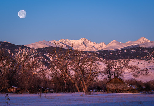 sunrise moonset continentaldivide bouldercolorado indianpeaks