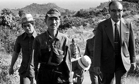 Hiro Onoda en el momento de su rendicion