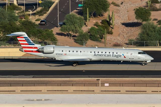 American Eagle / CRJ700 / N705SK / KPHX