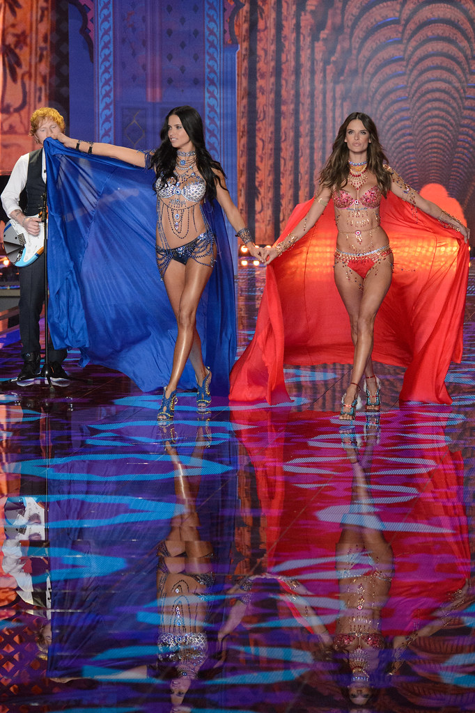 Adriana Lima Alessandra Ambrosio Angels Fantasy Bra Collec