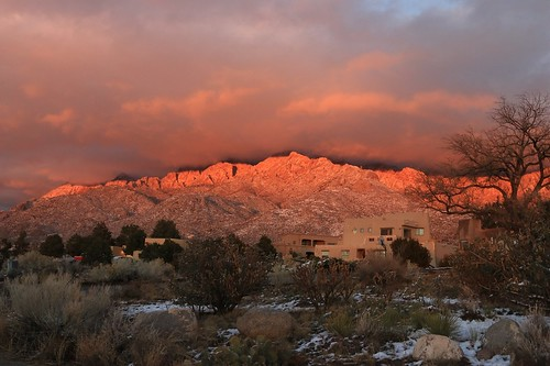 winter sunset mountain snow newmexico southwest clouds landscape albuquerque adobe highdesert feldspar rosy quintessential sandiaheights canoneos70d