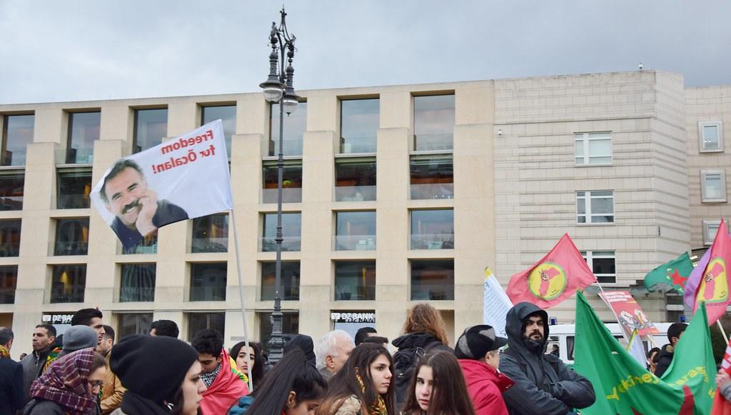 """21.02.15: Demo: """"PKK-Verbot aufheben! Kobanê und Rojava verteidigen!"""""""