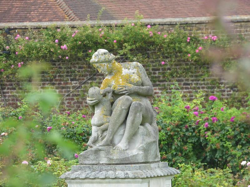 Gardens at Hampton Court Palace - the Rose Garden - statue