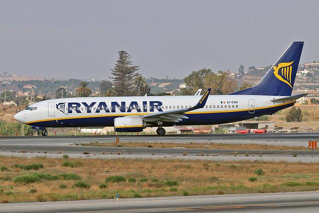 EI-ESW Boeing 737-8AS Ryanair  AGP 11-09-16