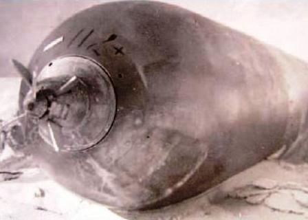 Torpedo fotografiado por el Teniente Joosse