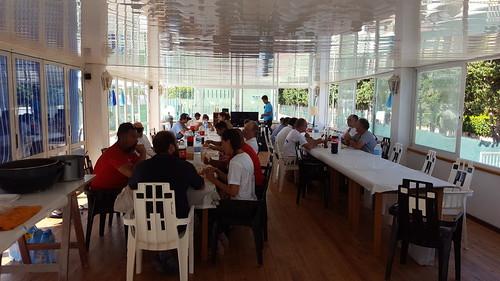 Dinar ofert pel Club al finalitzar el primer dia: sípa amb patates