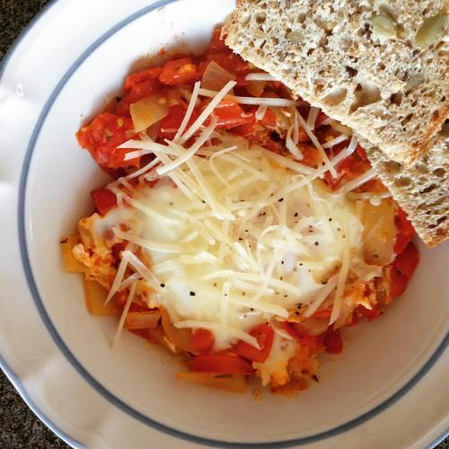 31 Days of Garlic: Shakshuka | by eszter