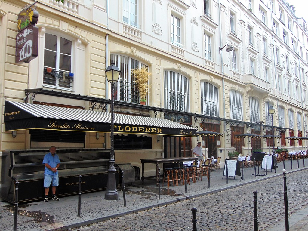 Paris 10 FLODERER 7 Cour Des Petites Ecuries 75010
