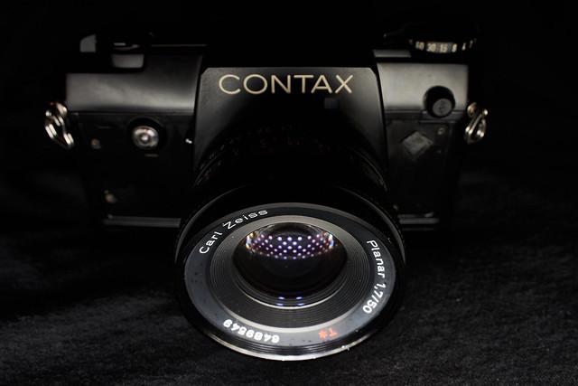 Contax 137 MA Quartz w/ Zeiss Planar 50mm f/1.7