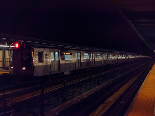 2017-2018 Bombardier R179 Car 3102 on the (M) at Knickerbocker Avenue | by BM5 via Woodhaven (Main)