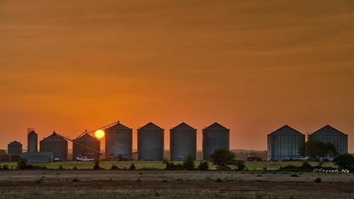 aurorahdr2018 sanmarcosoutletmall photomatixpro hdrphoto texassunset maxwell sanmarcos grainsilos sunset nikongp1 nikoncapturenx2 nikond750