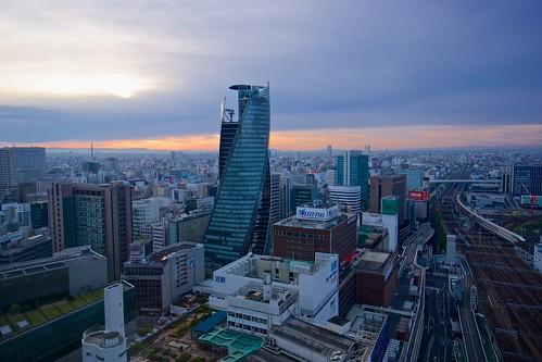 building japan skyscraper sunrise cityscape sony wideangle nagoya 日本 ultrawide 名古屋 ビル 日の出 広角 朝焼け 高層ビル apsc モード学園スパイラルタワーズ modegakuenspiraltowers sel1018 sonye1018mmf40oss ©jakejung