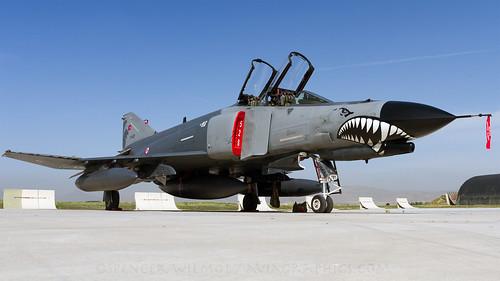 kya konya ltan turkey 731021 tigermeet ntm f4 phantom turkishairforce aviation fighter classic ramp pan mcdonnelldouglas militaryaviation wormview lowlevel plane shark sharkteeth