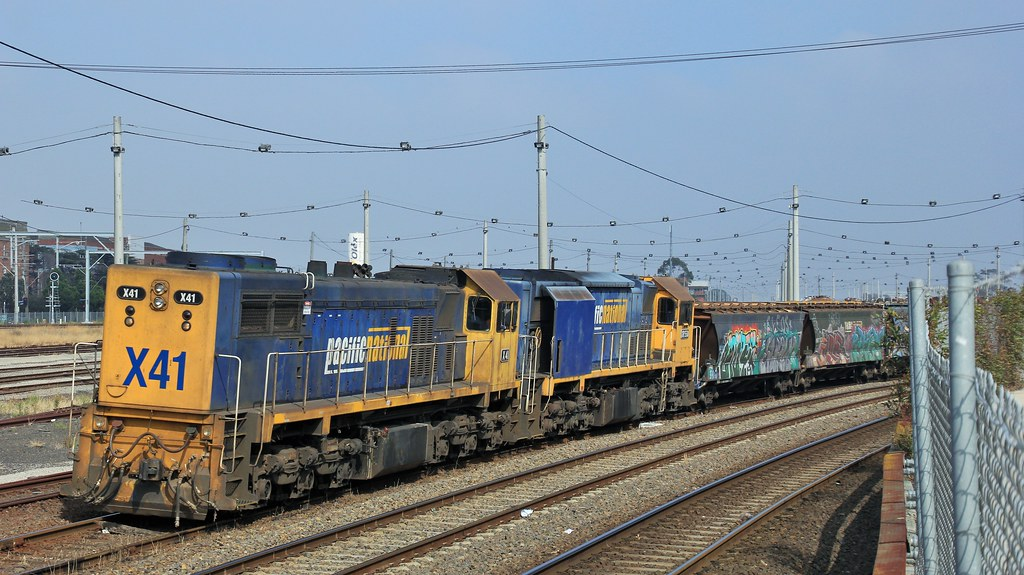 X41 and XR558 wait for a train order to proceed to Appelton Dock for discharge by bukk05