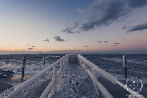 sunset sky snow ny cold ice water evening coast li pier suffolk dock nikon waves availablelight january freezing naturallight wideangle spray longisland shore local frigid icicles northfork eastend boatramp 2015 d610 jamesport nofo wintter ironpier ironpierbeach nikkor1635mmf4vr northforker