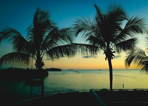 ocean sunset sea water palms boats agua fuji puertorico bluesky palmtrees pr fujifilm puesta horizonte parguera lajas laparguera x100s