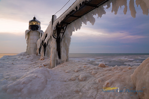 winter lighthouse snow ice frozen michigan stjoseph lakemichigan icicle stjosephlight stjosephlighthouse watercolorsunset puremichigan