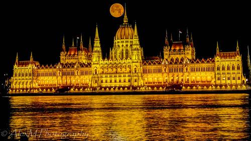 budapest easterneurope europe historicalcity historicalbuilding budapestparliament nightscenery nightshot beautifullandscapes