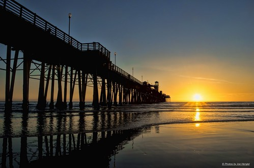 california sunset silhouette reflections sand pacificocean socal oceanside southerncalifornia oceansidepier