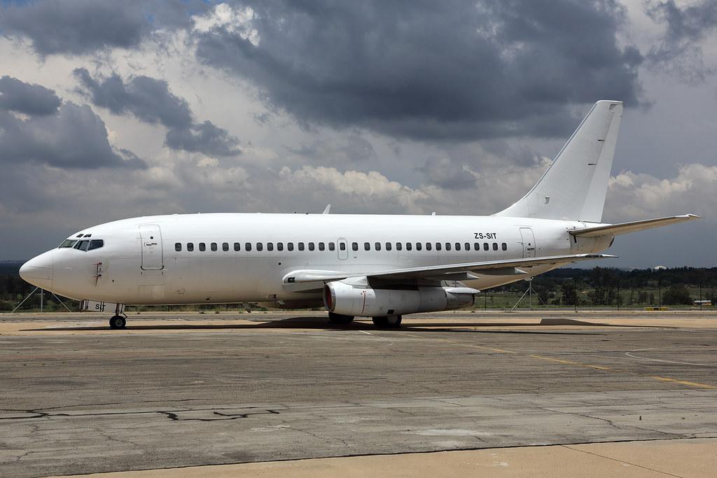 ZS-SIT 737-236