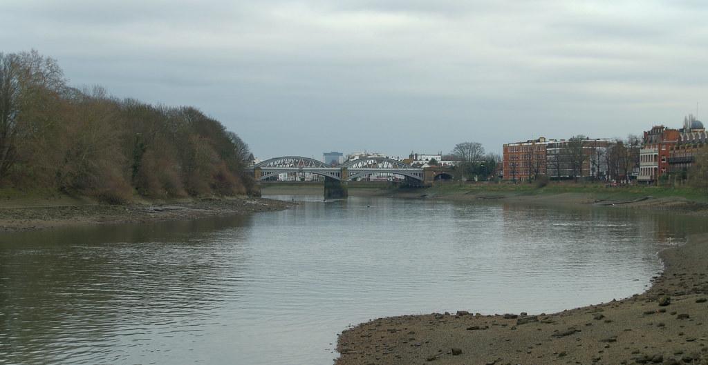 IMGP2857   The Barnes Railway Bridge, seen from Mortlake ...