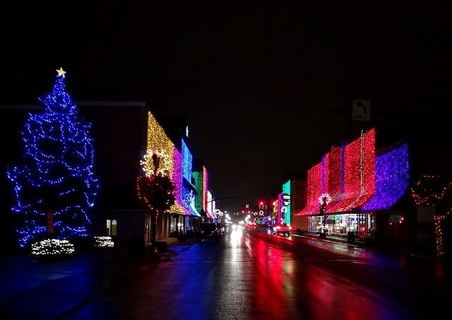 Elwood Downtown Christmas-Anderson Street Looking North