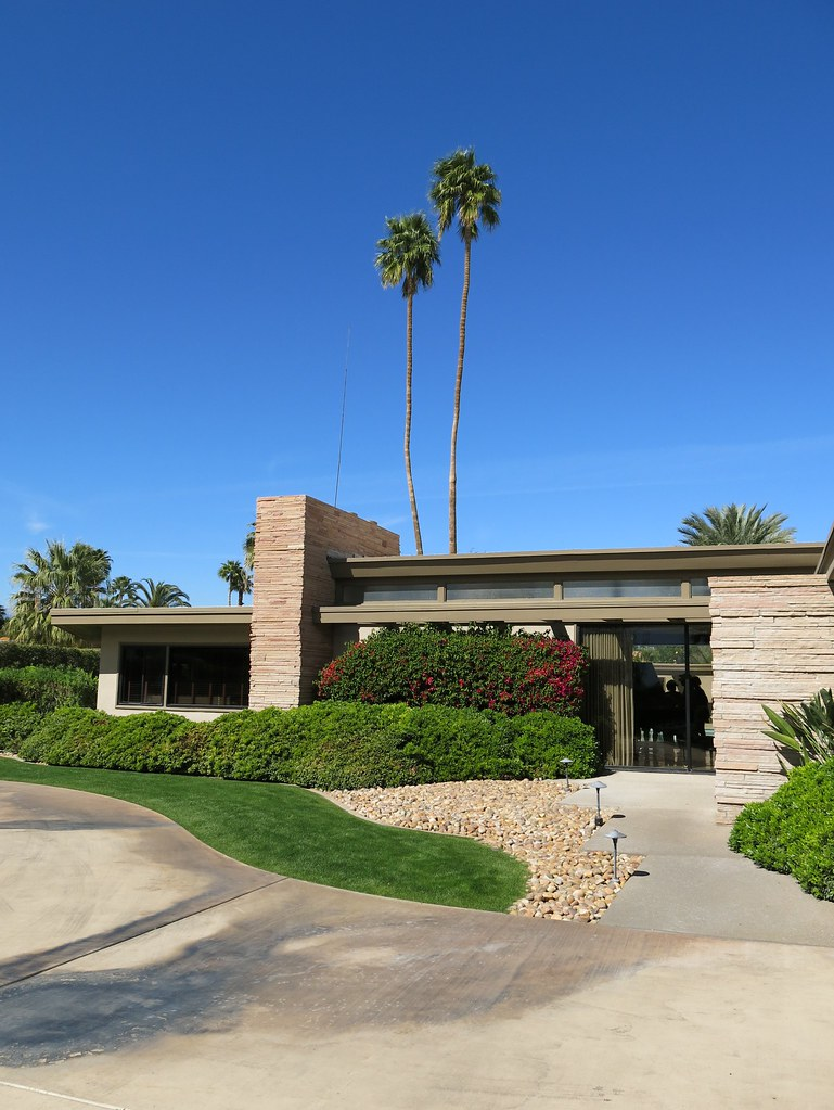 Frank Sinatra House in Sunny Palm Springs