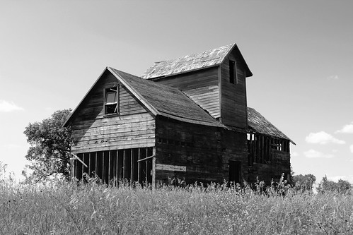 northdakota farm barn house abandoned blackandwhite bw