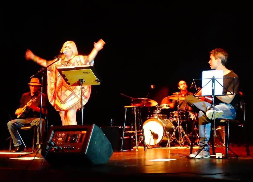 Show Sambando Com Elis No Teatro Emiliano Queiroz 6 Flickr