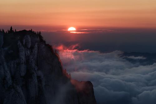 nikond d810 70200mm ceahlau massif romania europe mountain nature natural outdoor landscape scenery view sun sunrise morning clouds light horizon sky orange gold outstandingromanianphotographers