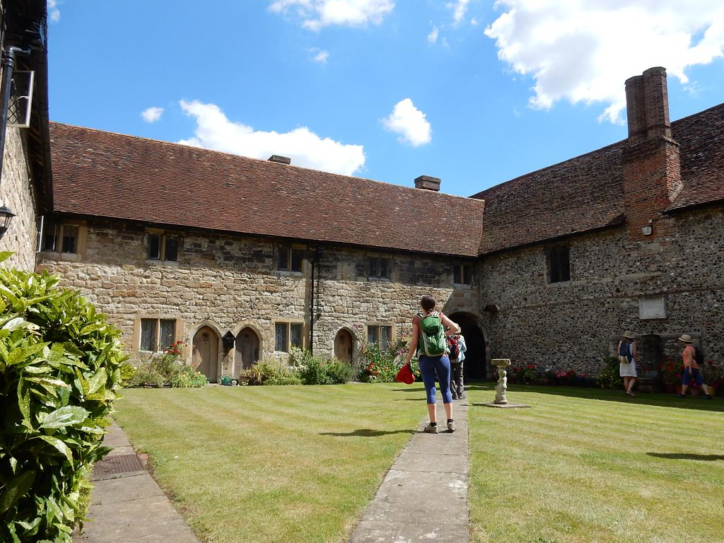 Courtyard Cuxton to Halling - College almshouses, Cobham