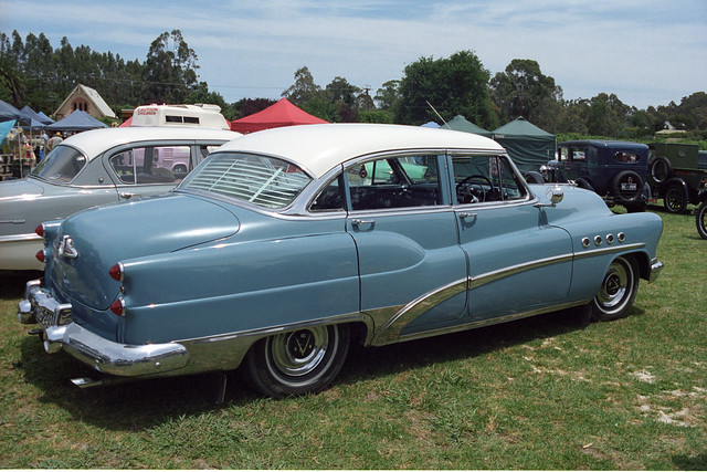 Buick with portholes