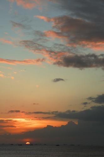 blue sunset sea sky orange sun colors clouds catchycolors boats colours