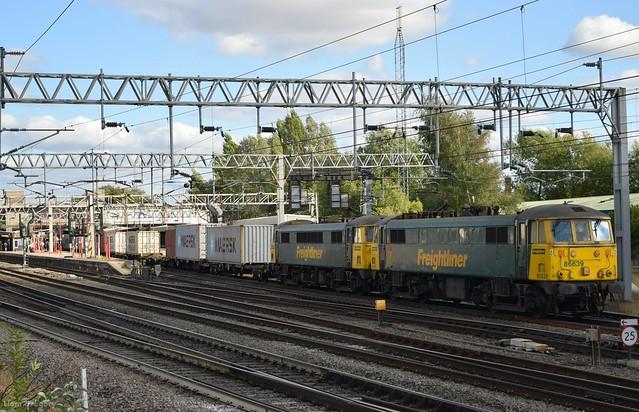 Freightliner 86639/86608 - 4M87 - Stafford