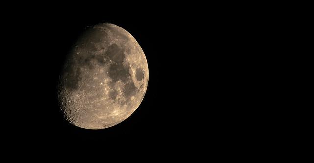 Moon. Waxing Gibbous. 76%. 7-22-2018