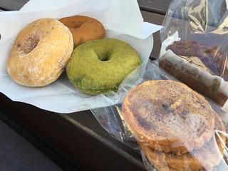 原味, 奶油起士, 抹茶紅豆, 甜甜圈, Haritts Taipei, 台北 | by bryan...