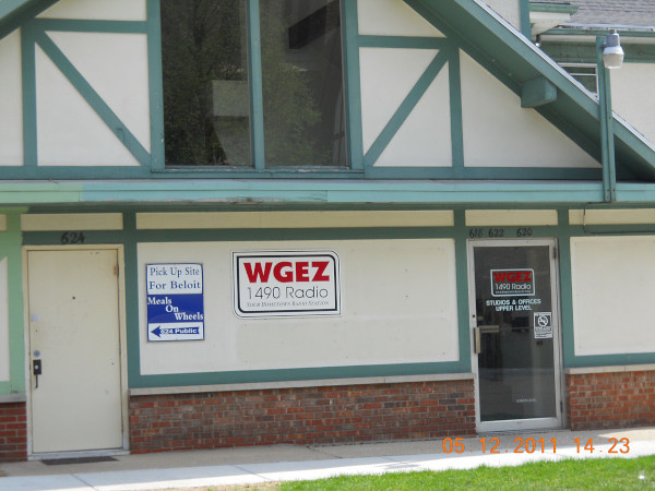 WGEZ AM 1490 | Studios and offices located at 622 Public Ave
