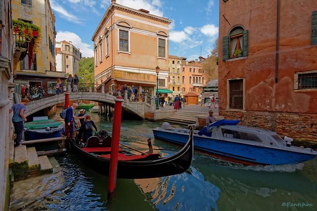 Venice / Rio dei Santi Apostoli
