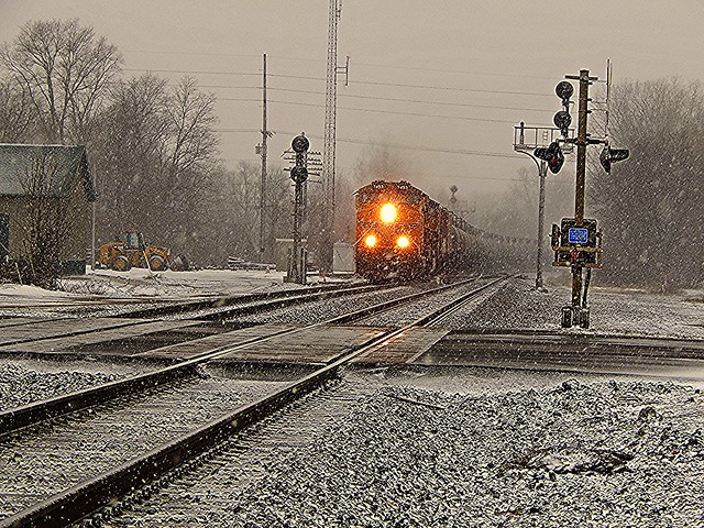 Eastbound Union Pacific at Kendallville Indiana