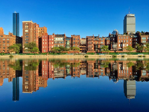 pw reflection reflections esplanade water boston brownstones massachusetts symmetry backbay architecture newengland lagoon