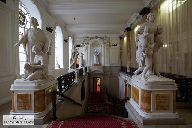 Marble statues at Cardiff City Hall's second floor