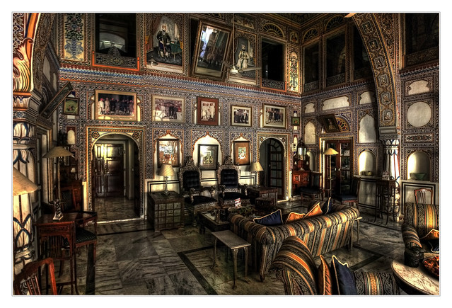 Mandawa IND - Mandawa Castle interior decoration 05