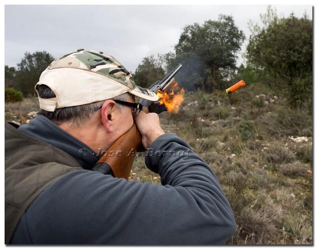 Disparo de escopeta de caza