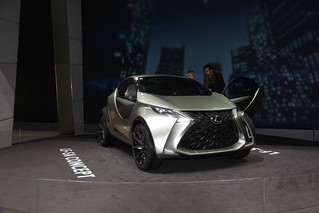 LEXUS-2015-LF-SA-concept-002