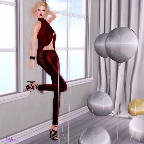 Asymmetric | by Angel Tzara  Find me @ angeltzara.com